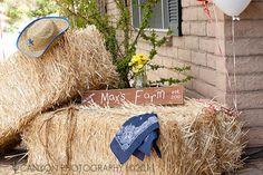 front door entrance, western parti, birthday parties, rustic signs, hay bales, western birthday, cowgirl, barnyard birthday, farm party