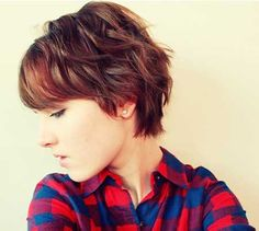 curly hairstyles, pixie hairstyles, short haircuts, short wavy haircut, short hairstyles, short cuts, shorts, wavi short, pixie haircut for wavy hair