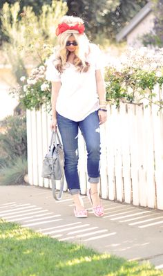 Jeans & a White T Outfit No. 10 ~ Croc Lobster!