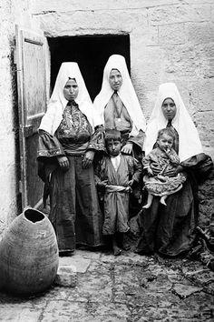 Bethlehem-بيت لحم: Women of Bethlehem 59 (1930s)