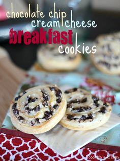 chocolate chip cream cheese breakfast cookies..... looks easy and YUM!