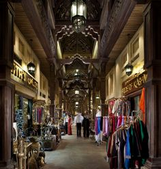 Madinat Jumeirah Resort, Dubai - Souk Madinat Jumeirah Shopping Single Walkway