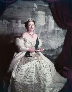 Queen Elizabeth, the Queen Mother, photo Cecil Beaton