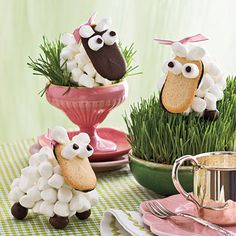 Baa Baa Black and White Sheep Treats :  Make your own adorable sheep cookies for Easter baskets or a children's table decorations.