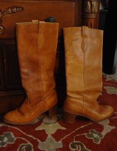 How to soften dry stiff leather boots, shoes handbags. Shaving cream!