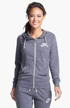 gym hoodie / nike