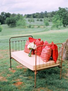 Rustic lounge bench