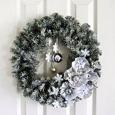 christmas wreaths, holiday wreaths, cupcake holders, pin, christmas wedding, wedding wreaths, coffee filters, winter weddings, winter wreaths