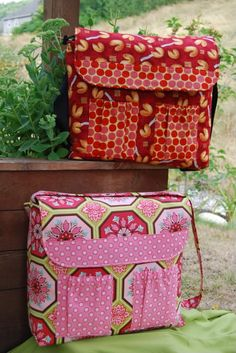 Nice diaper bag/haul around bag for moms (not a tutorial, a pattern for purchase) diaper bags, laptop cases, baby bag pattern, bag patterns, diy baby bag