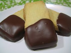 """Irish"" Chocolate Dipped Shortbread - Recipe: http://abitchinkitchen.blogspot.hu/2011/03/irish-chocolate-dipped-shortbread.html"