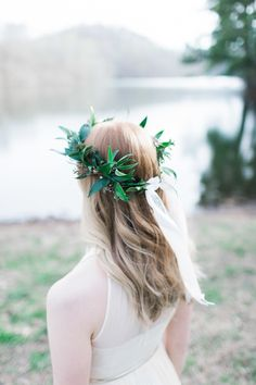 #halo-wreath, #flower-crown    Read More: http://www.stylemepretty.com/2014/06/27/pretty-lakefront-engagement-in-nashville/