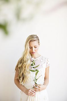 Romantic bridal hairstyle ideas | Hair and makeup by Janet Miranda | Photos by Betsi Ewing | Read more - http://www.100layercake.com/blog/?p=75581