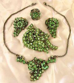 Vintage 1953 Hollycraft Necklace Brooch Earring Ring Parure Set Bright Green | eBay