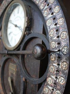 vintage clock by catrulz