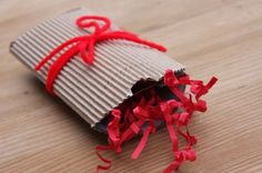 Ways to wrap a gift card.  Pillow box.  #Christmas wrapping