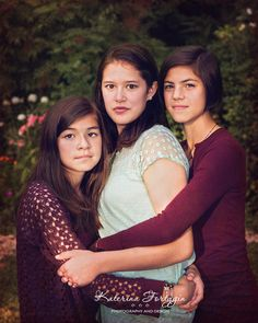 #sisters #friends #group #pose #idea #photosession #girls #teens #portrait #seattle