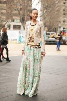 Pleated print maxi with print top and blazer.. on trend pastel, fashion weeks, pattern mixing, maxis, long skirts, jackets, mixed prints, street styles, maxi skirts