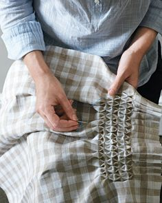 Smocking tutorial - Use gingham for the squares, then there's no need to measure and make dots yourself. Nicely pleated edge.