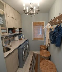 more laundry space ideas - continuous counter-top/shelf