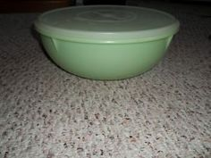 VINTAGE TUPPERWARE FIX-N-MIX BOWL 26 CUPS GREEN