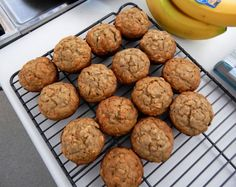 Healthy banana muffins with no added sugar or oils!