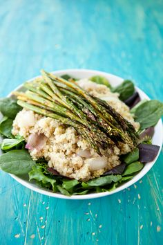 roasted asparagus and spinach quinoa salad