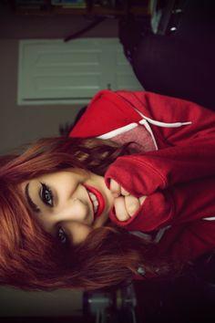 Her hair is so pretty.