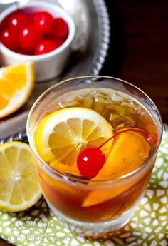 The Old Fashioned Cocktail with Sweet Tea Vodka | via @Sommer | A Spicy Perspective  #Cocktails #RyanGosling