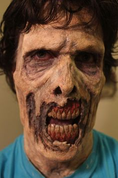 Awesome tutorial sight to show you how to do Zombie Makeup/Halloween makeup.