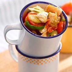 Sałatka caprese z bagietką i cytrynowym dressingiem #lidl #przepis #caprese #bagietka #salatka