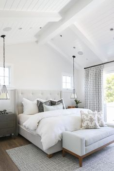 Master Bedroom | Vaulted Ceiling | #interiordesign #homedecor #coastal #beachhouse #decoracionbedroom