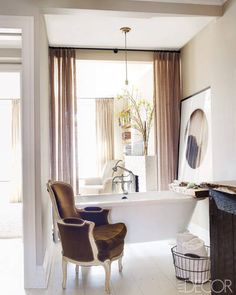 curtain divides room (keri russell's home via elle decor)
