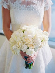 White hydrangea, rose and peony bouquet {pretty}