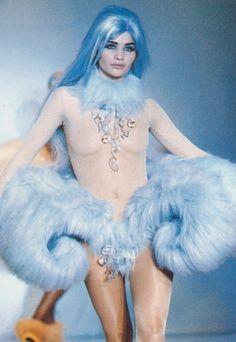 judith-orshalimian: Helena Christensen for Thierry Mugler 1992 :)