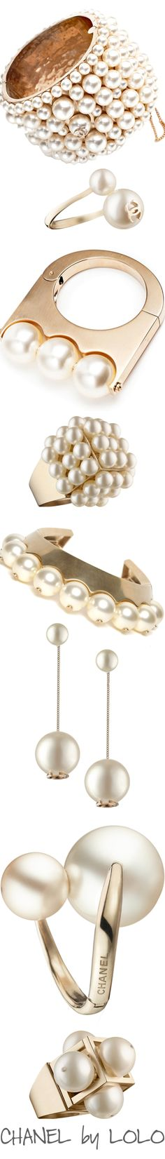 CHANEL PEARLS §
