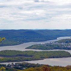 Constitution Island and West Point from the Washburn Trail. Photo by Daniel Chazin.
