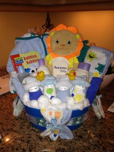 diy baby shower gifts on pinterest baby gift baskets baby shower gifts and diaper cakes. Black Bedroom Furniture Sets. Home Design Ideas