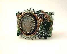 Beaded bracelet, Beadwork bracelet, Freeform peyote bracelet, Seed bead jewelry, Beaded cuff, green and gold, earth tone