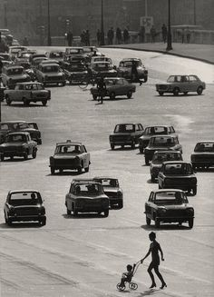 Robert Doisneau  La Meute, Paris, 1959    Black and White  #people #photography #vintage