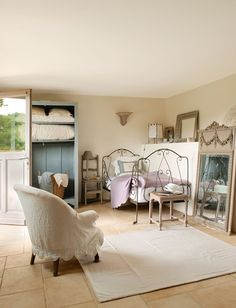 french farmhouse, color, shabby chic, antique chairs, french country style, hotel, southern france, french riviera, bedroom