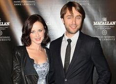 Alexis Bledel (aka Rory Gilmore) is engaged!