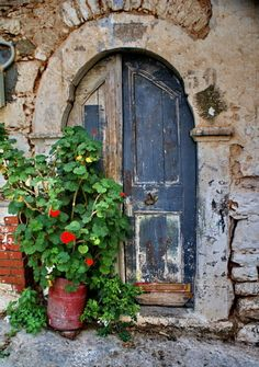 window, blue doors, rustic doors, puerta, stone, paint, door knocker, old doors, provence france