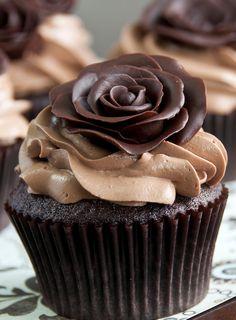 rose sweet, chocolates, chocolate rose, chocolate cupcakes, decorated cupcakes