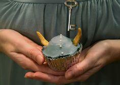 How to Train Your Dragon Cupcakes: Viking Hats - http://www.homestoriesatoz.com