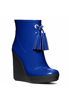 8 chic pairs of waterproof boots