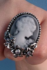 new ring camafeo