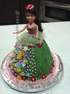 Coolest Hula Girl Cake...