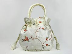 SILK EMBROIDERED DRAWSTRING BAG WHITE | chinese embroidery tutorial