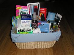Great list of items to include in the bathroom baskets for wedding guests, both men's and women's