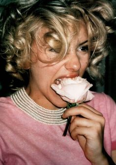 Marilyn Monroe - I prefer this Marilyn than the glam one